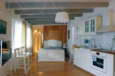 Studio - House for Friends, Sea View, 2+2 people