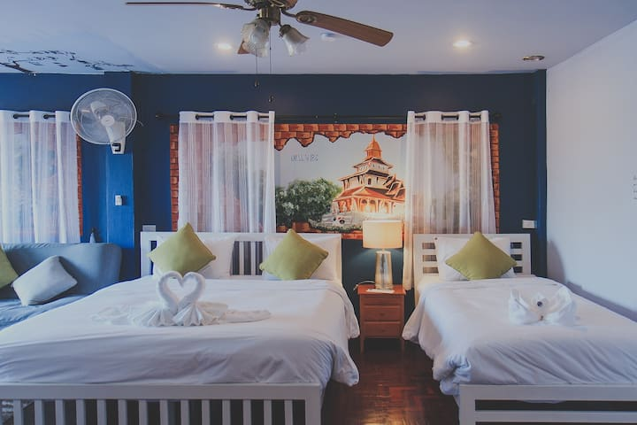 Chill Vibe Hostel : Standard Family Room