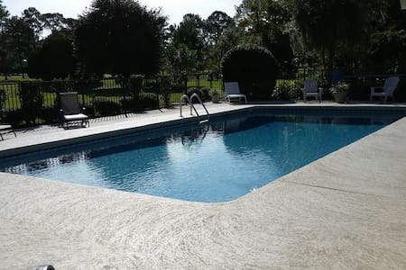 3/2.5 pool home @golf Gnv Country C - Dom