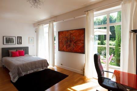 "Suite ""New York"" chez Villa Castoria - Saint-Germain-en-Laye"