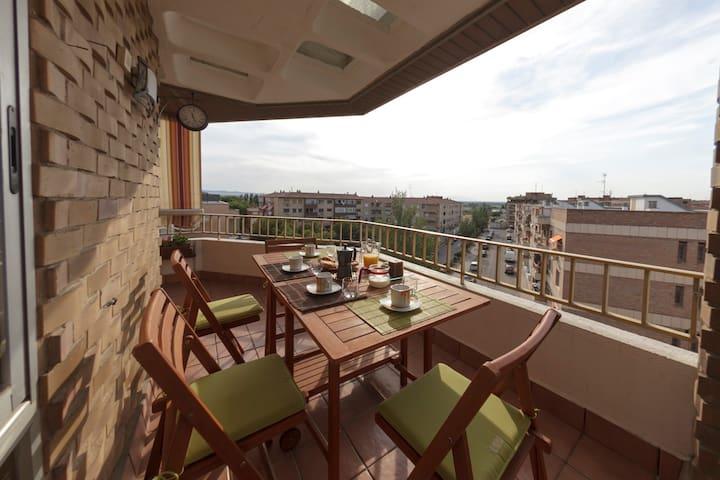 Apartamento todo exterior de 130 m con TERRAZA