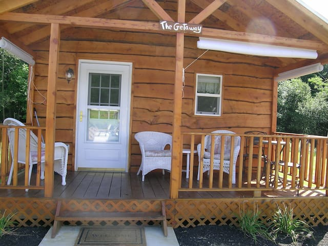 The Getaway - Bemus Point - Cabana