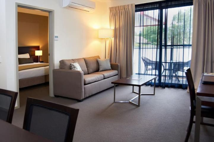 Awesome Apartment One Bedroom At Highett