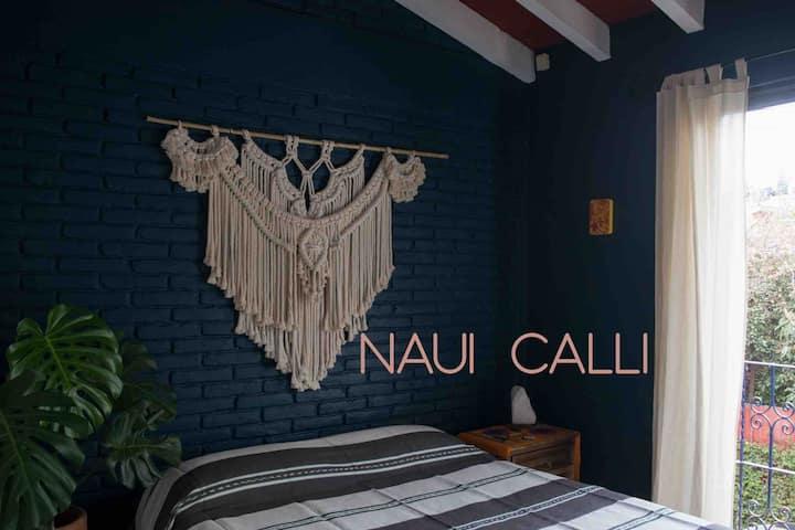 NAUI CALLI ~ cama Queen en el centro de Tepoz.