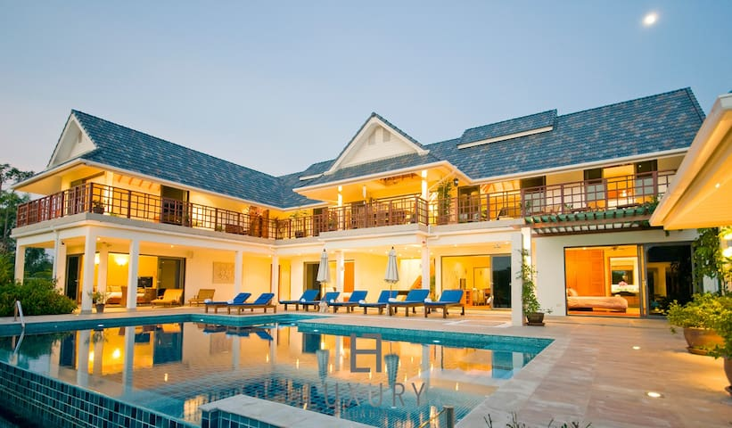 Private and Luxurious 6 Bedroom Pool Villa!