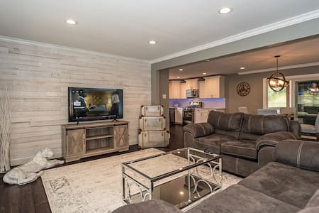 Luxury home, rehabbed 15 minutes to downtown.