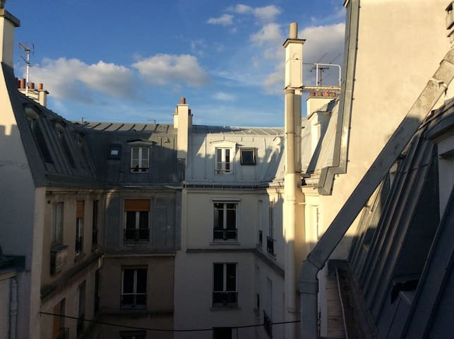 Lovely private studio ideally situated - Parijs - Appartement
