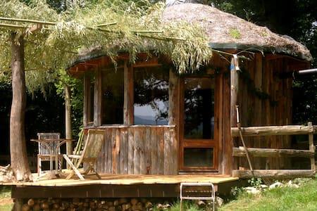 Round organic cabin