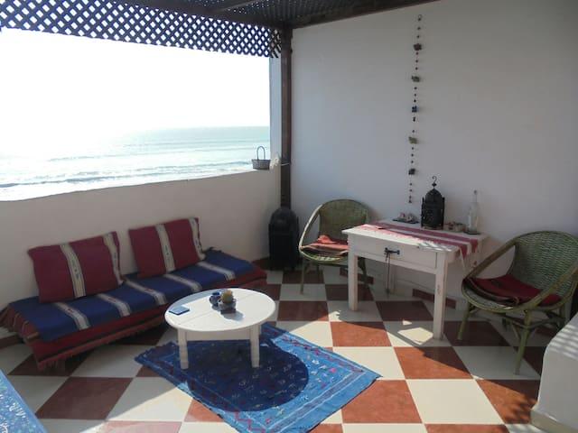 Beautiful beachside room & terrace