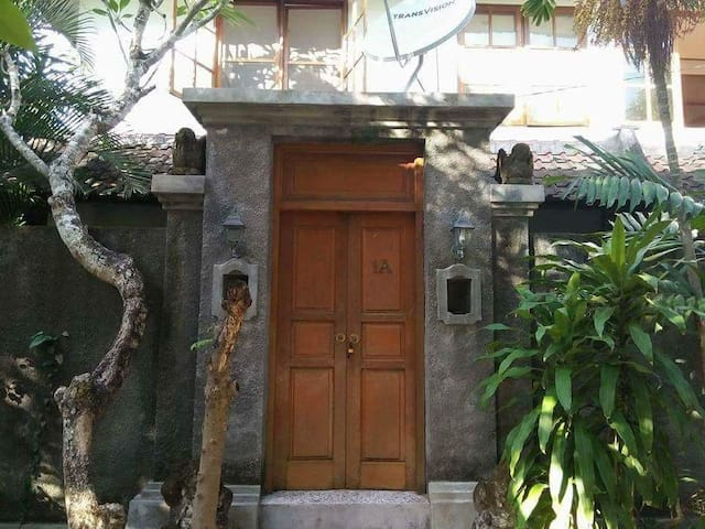 CHEAP! Cempaka House 1A closed Padma Beach Legian