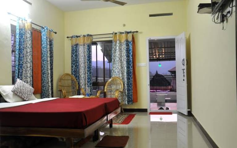 Large Double or Twin Room with Mountain View