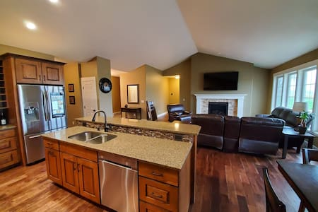 Brand new heights home on large lot w/ hot tub