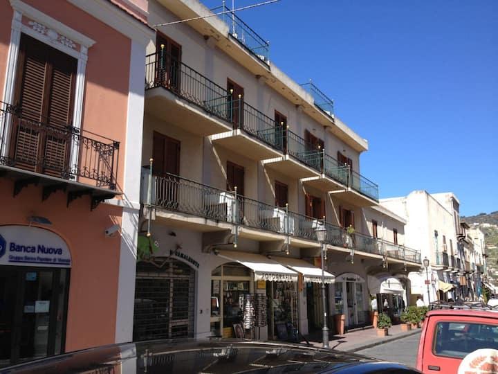 Corso Vittorio Emanuele || Apartments