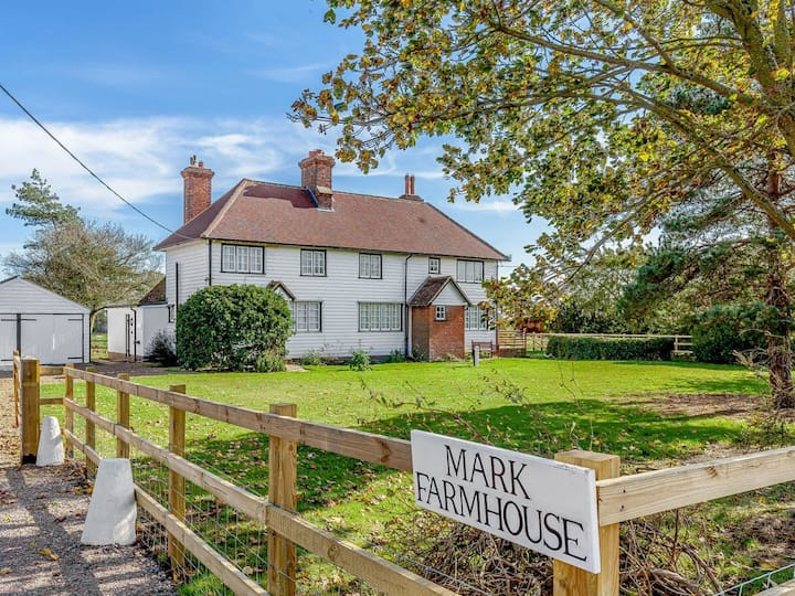 Mark Farmhouse (UK30238)