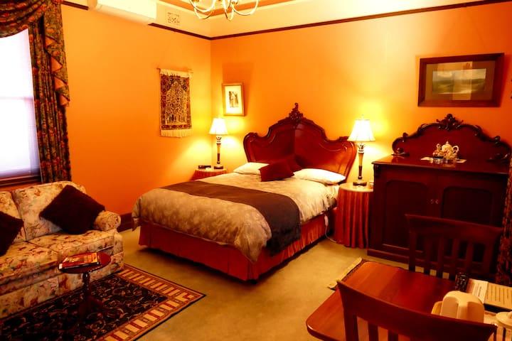 Marble Lodge B&B - The Camellia Room - Angaston - Bed & Breakfast