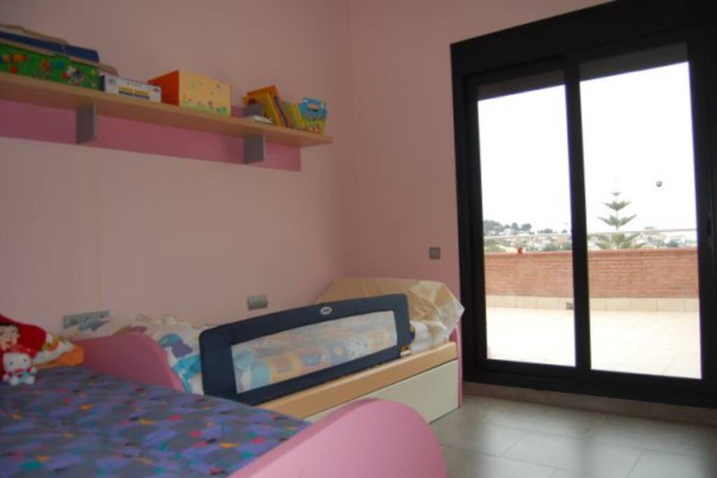 Habitación con 3 camas