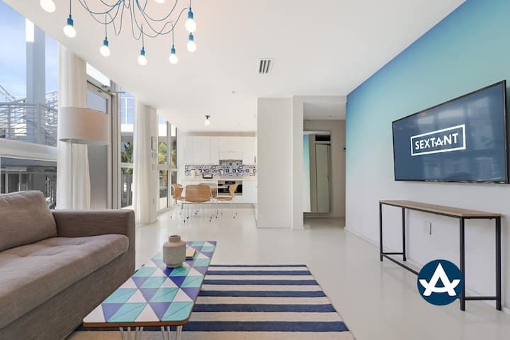 Sextant | Collins Ave 2 bed | Rooftop Pool #304 | 1 Block to Beach