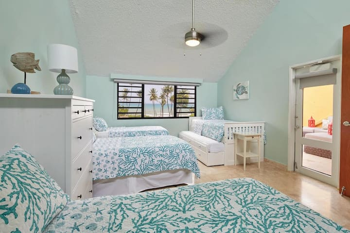 2nd bedroom with up to 5 beds with beautiful Ocean view