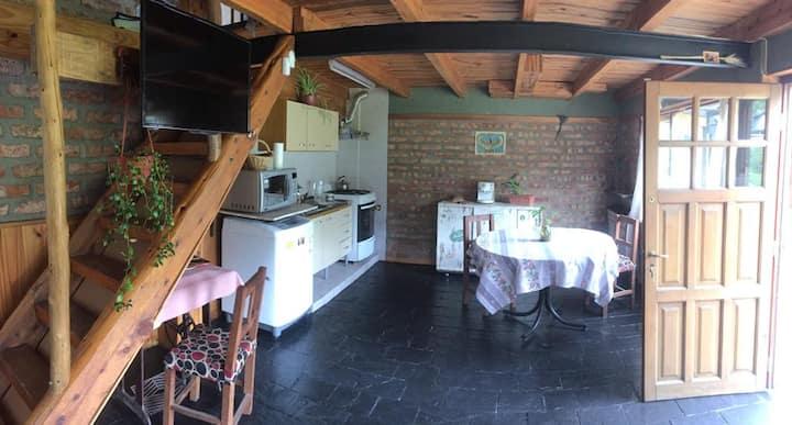 Casa andina en la tranquilida del bosque