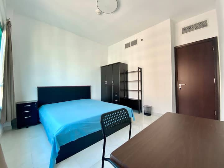 Private guest room in spacious 2bhk flat