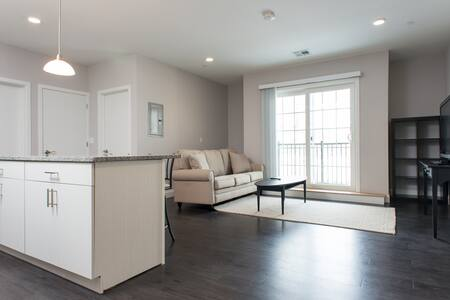 2 bedroom apt downtown Waltham #406 - Waltham - Apartment