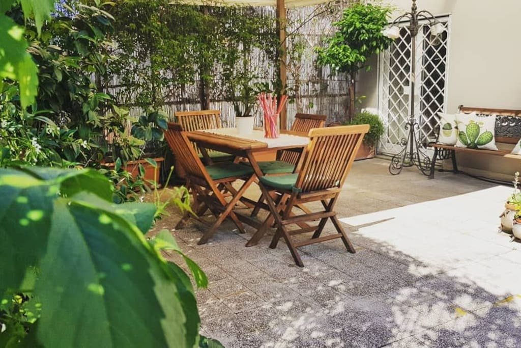Welcome to Casa Camma rooftop apartment in central Rome