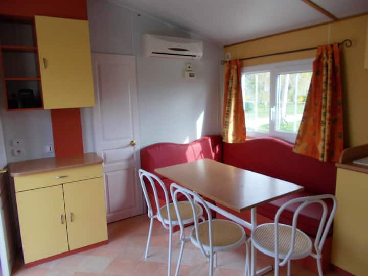 Property with 2 bedrooms in Beynes, with furnished terrace and WiFi - 60 km from the beach