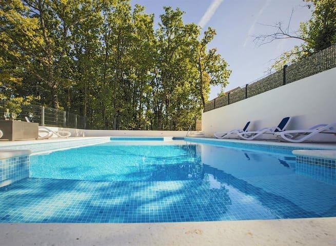 Villa Anela****