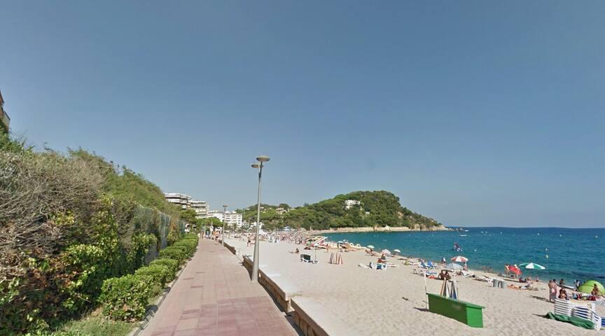 Таунхаус в 5 минутах ходьбы от пляжа - Lloret de Mar - Haus