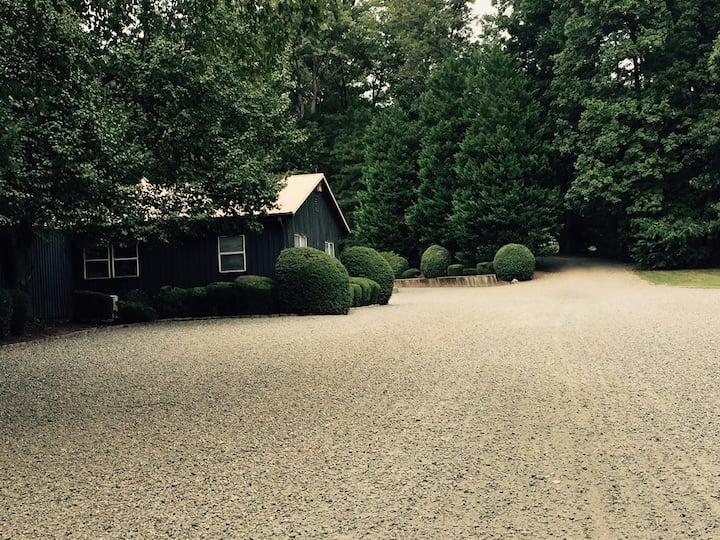Idyllic cottage at EPH.