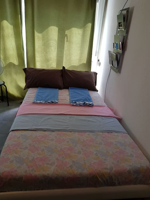 queen bed  120 cm×90