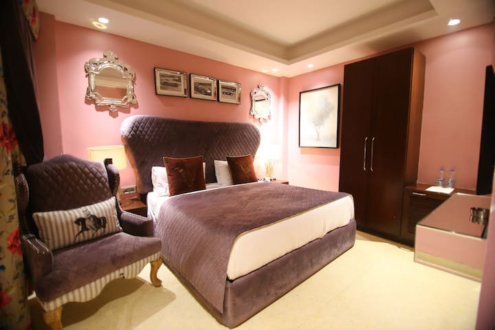 Premium Stay at Vasant Kunj - 1