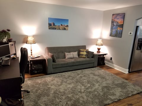 Updated Yorkshire Town Home!  Great USU access!