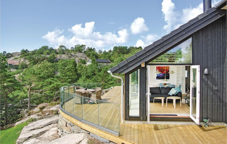 Holiday cottage with 3 bedrooms on 87m² in Søgne