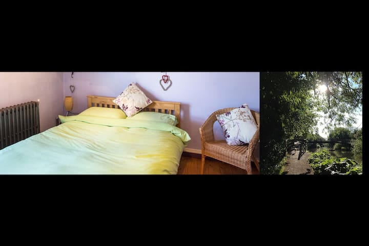 Cozy arty central accommodation with own bathroom - Newbury - House