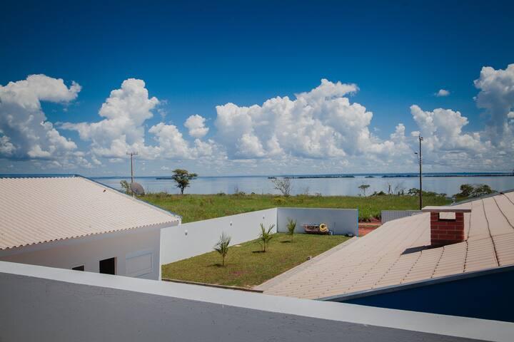 Rancho em Presidente Epitácio frente com o Rio