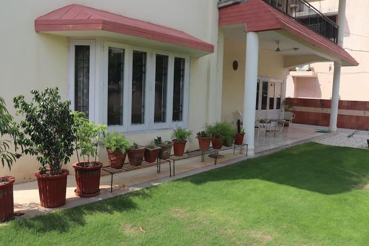 Keshav Niwas: Private room