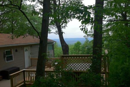 Rainbow View Cabin - ShenandoahValleyview & hottub - Linden
