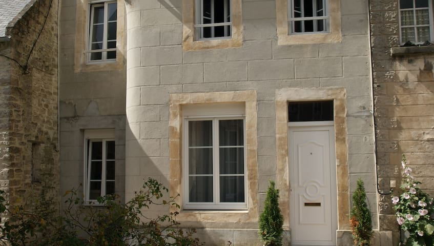 Cour St Martin - Normandy Townhouse