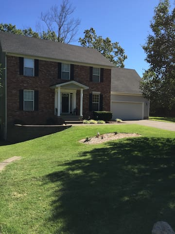 Whole home can be available - La Grange - Casa