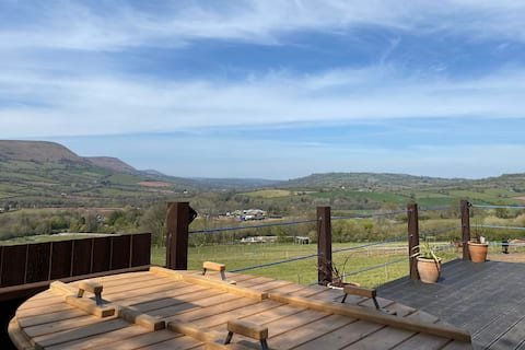 Hatterall View Glamping Pod, With Hot Tub