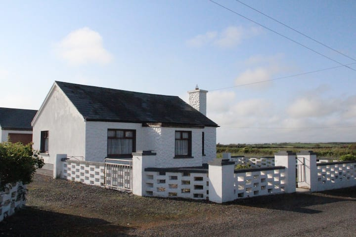 Carhuligane Cottage -  cosy traditional cottage
