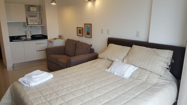 Moderna suite con kitchenete y baño privado (C)