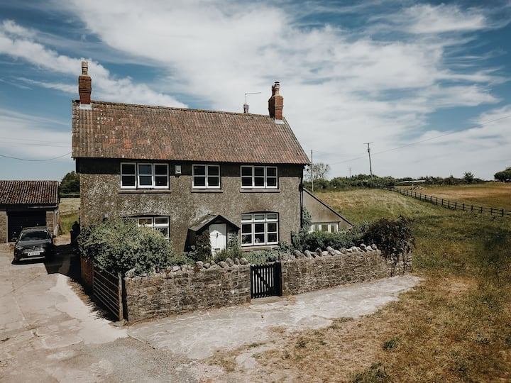 Fantastic 11-Bed Farmhouse with games room