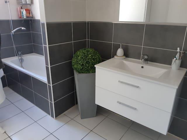 Chambre simple et cosy !