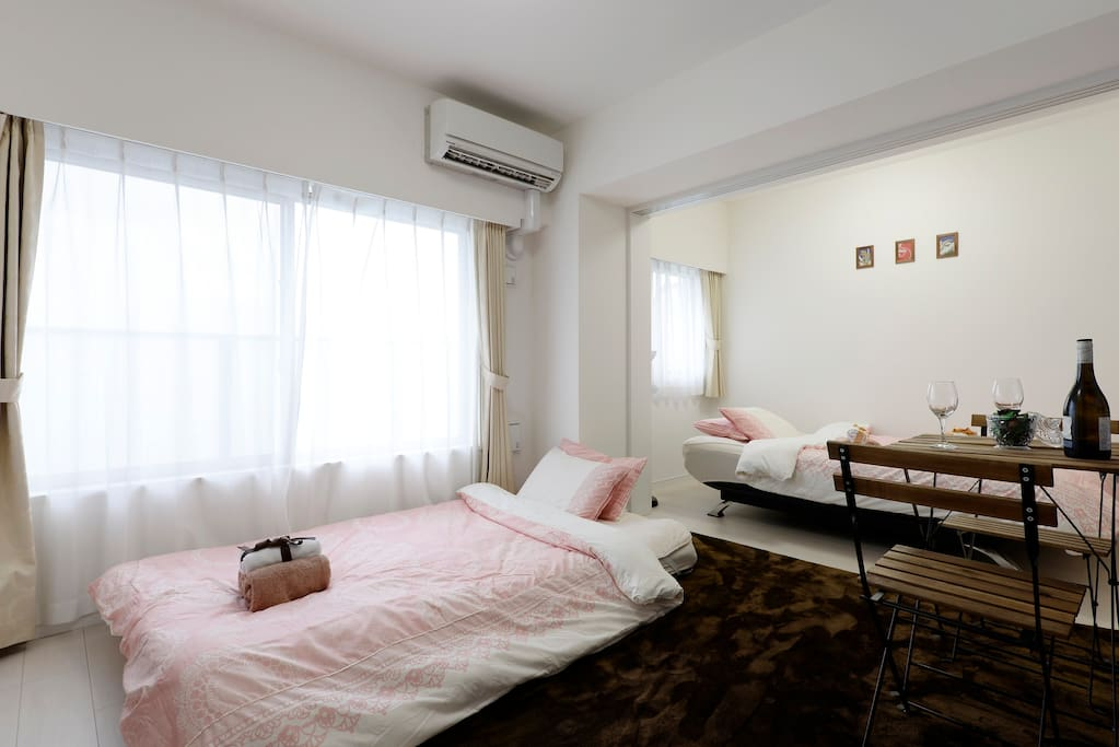 寝心地のいいベッド Comfortable beds 舒适的床 편안한 침대l etti comodi เตียงที่สะดวกสบาย lits confortables