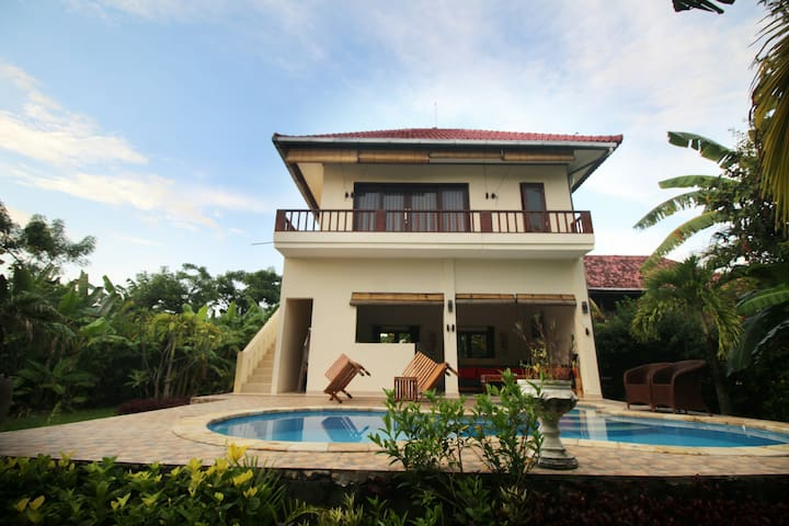 Villa Beranda Kecil, garden, pool,staff and beach