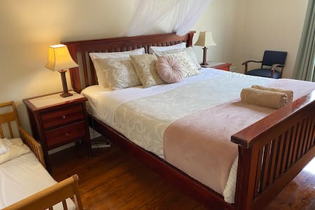 Seacroft Ocean View Cottage - VIEW - RELAX