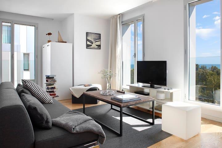 Amazing 1 bedroom apartment  sea view