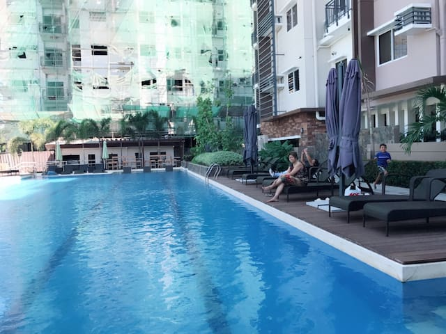 Nice and Clean Condo in DVO CITY FastestWIFI20mbps